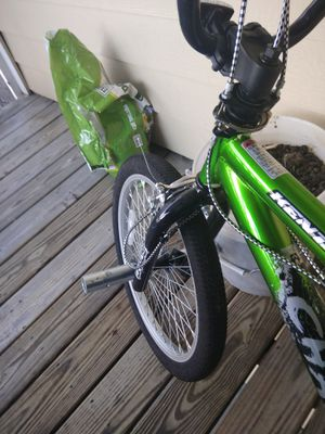 """20"""" Kent Chaos Boys' Freestyle Bike, Green for Sale in Maineville, OH"""