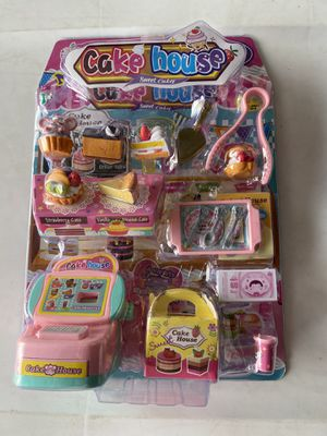 Cake House Puzzle Game (3 left) for Sale in Colton, CA