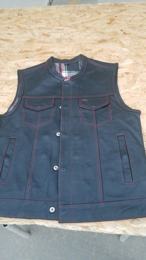 Leather Motorcycle Vest with Gun Pockets for Sale in Paramount, CA