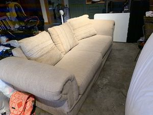 Couch for Sale in Emeryville, CA