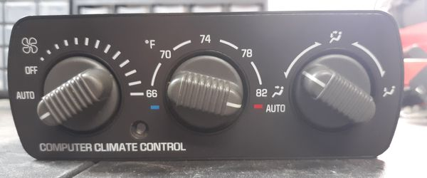 GM OEM 99 - 06 Overhead Climate Control for Chevy and GMC in Good Condition!