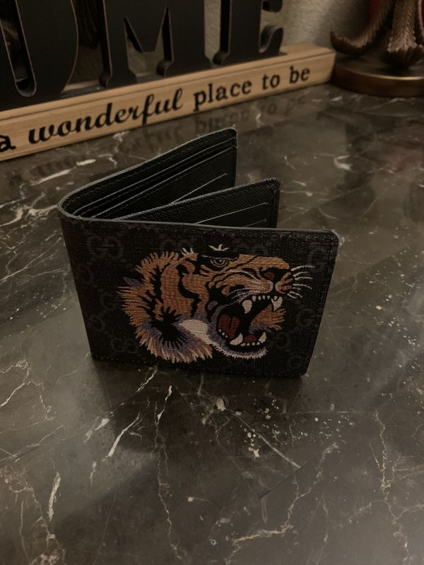 Gucci Wallet// BRAND NEW !!