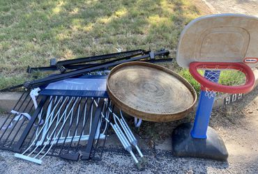 Free stuff on the curb! for Sale in Abilene,  TX