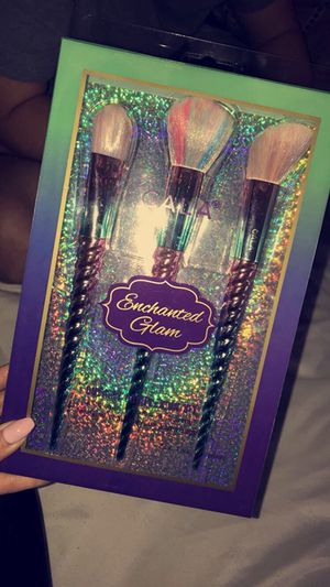 Enchanted Glam Makeup Brushes for Sale in Chicago, IL