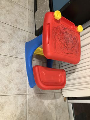 Kids desk for Sale in Clermont, FL