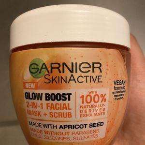 Garnier Skinactive Glow Boost 2in 1 Mask + Scrub for Sale in Stockton, CA