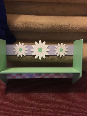 Small shelf with coat hooks for Sale in Sacramento, CA
