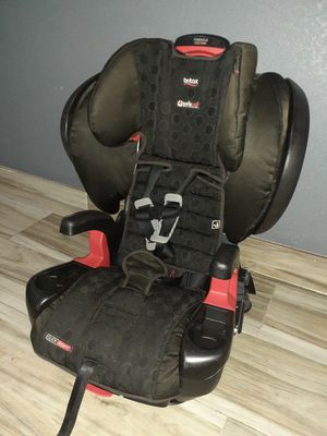 Very clean car seat and reclines also adjustable as the baby grows for Sale in Houston, TX