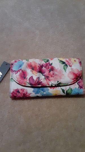 Women's wallet $10 NEW for Sale in Fontana, CA