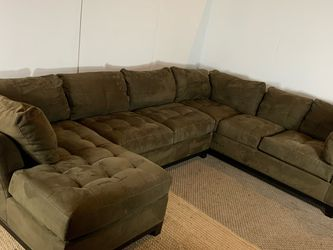 Cindy Crawford Sectional Couch Sofa *Free Delivery* for Sale in Cherry Hill,  NJ