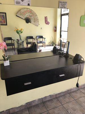 Estacion de belleza for Sale in Lynwood, CA