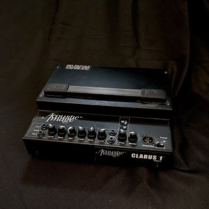 ACOUSTIC IMAGE CLARIUS 1 bass or guitar high end amp for Sale in Mountlake Terrace, WA
