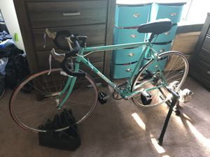 Road bike & resistance trainer for Sale in San Diego, CA
