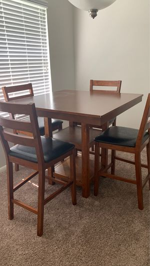 High bistro table w/4 chairs for Sale in Naples, FL