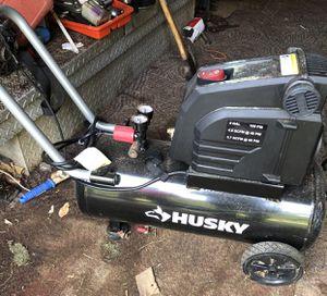 8 Gallon Husky Air Compressor for Sale in Greenville, SC