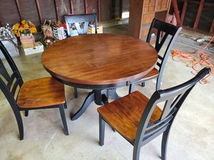 Breakfast table and chairs for Sale in Sierra Madre, CA