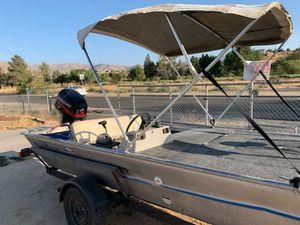 Fisher Marine 30 horsepower fishing boat 16ft long (2 stroke) for Sale in Hesperia, CA