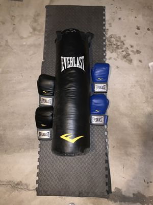 Everlast Nevatear Heavy Bag w/ 2 Pairs of Gloves for Sale in North Potomac, MD
