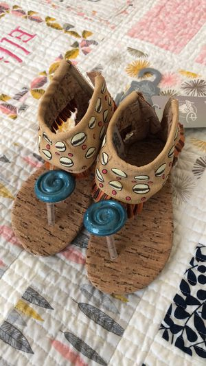 New moana sandals (7/8) for Sale in Farmers Branch, TX