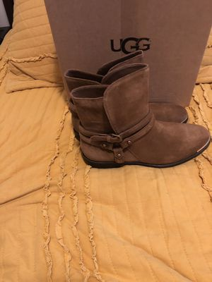 New women's uggs boots size 8.5 for Sale in The Bronx, NY