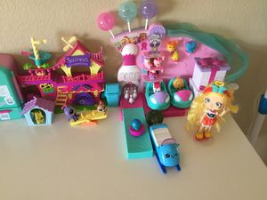 Like new Kids toys Nice Shopkins, Shopkins with Display Case( 300 pieces up) etc.... for Sale in El Monte, CA