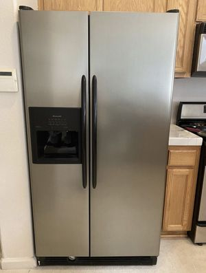 Refrigerator, kitchen aid for Sale in Vallejo, CA