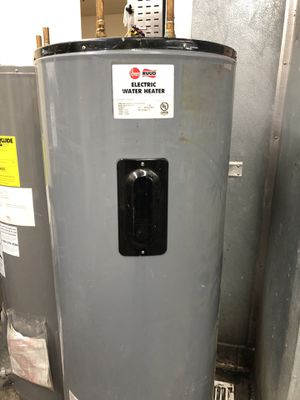 Electric water heater for Sale in El Cajon, CA