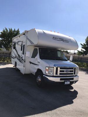 2012 Thor coachmen freedom Elite 21qb for Sale in Hollywood, FL