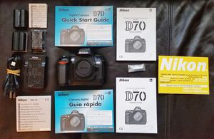 Nikon D70 Digital SLR Camera Body Only for Sale in Menifee, CA