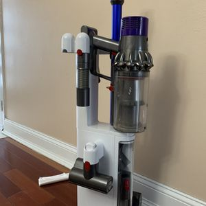 Dyson V10 Absolute Purple And Blue for Sale in Schaumburg, IL