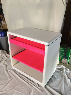 Fun Pink Entertainment Desk for Sale in Simi Valley, CA