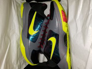 Kobe 5 protro chaos Gamer Exclusive for Sale in Kissimmee, FL