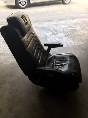 Gaming chair for Sale in Long Beach, CA
