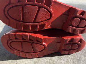 Women Rain boots size 7 for Sale in Fayetteville, NC