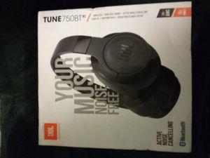 Jbl wireless headphones Bluetooth for Sale in San Marcos, CA