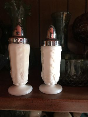 Milk Glass collectibles Westmoreland, Randall ,EO Brody for Sale in Marietta, GA