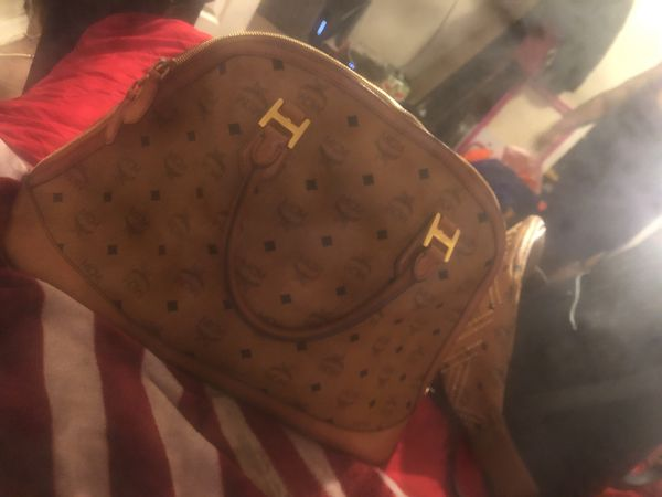 Mcm handbag/purse official