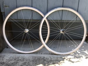 Excellent Velocity 700c 8-10 speed sealed bearing double wall aero road bike wheelset for Sale in Mountain View, CA