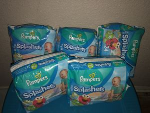 Pampers splashers size 3-4 for Sale in Fort Worth, TX