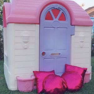 Kids Playhouse And Play Table for Sale in Montclair, CA