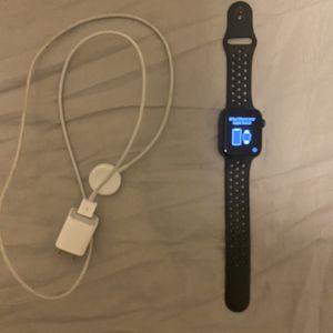 apple watch series 4 nike 40mm for Sale in Elk Grove, CA