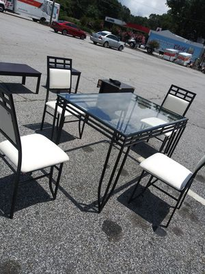 Kitchen table with 4 chairs for sale for Sale in Jonesboro, GA