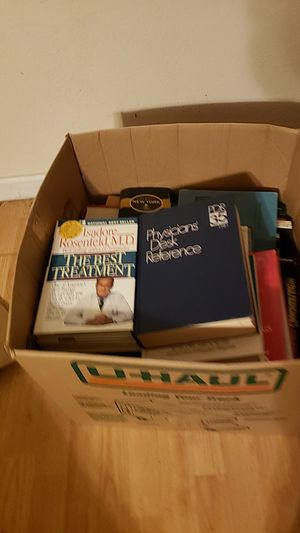 Big box of cook books and medical books for Sale in Fresno, CA