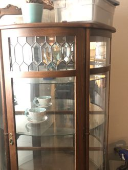 Curio Cabinet - 20+ Years Old, Great Condition for Sale in Gilbert,  AZ