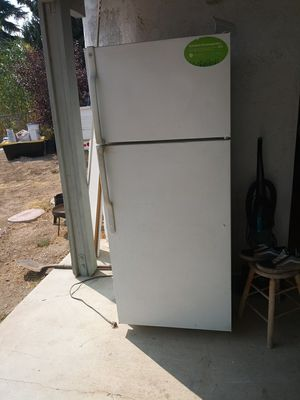 Refrigator for Sale in Banning, CA