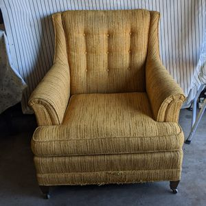 Vintage Drexel Heritage tufted back chair for Sale in Littleton, CO