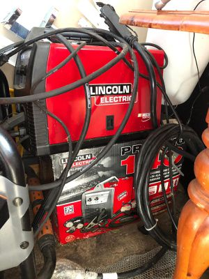 Lincoln electric welding machine for Sale in Orwigsburg, PA