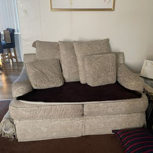 Couches Free Need Gone ASAP for Sale in Downey, CA