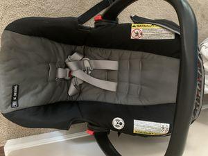 Car seat/carrier for Sale in Fairburn, GA