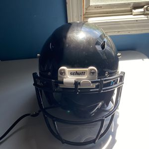 Schutt Vengeance Pro LTD Football Hemlet w/ Skill Face Guardand Black And White Chin Straps for Sale in Lawrence, MA